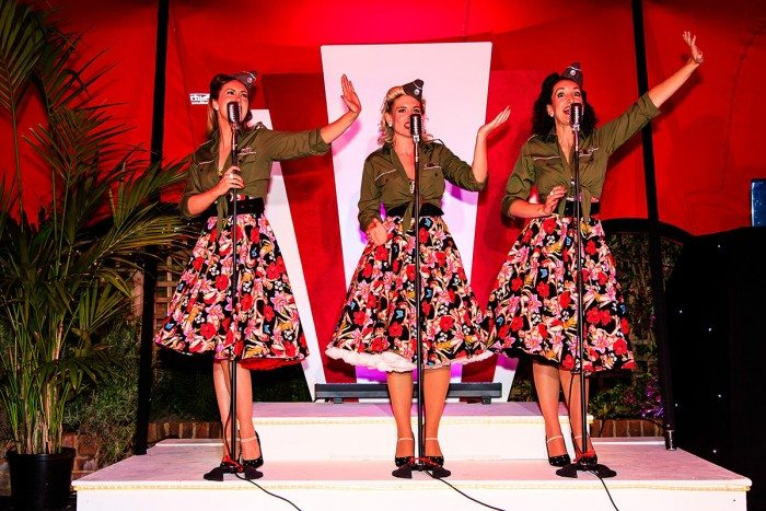 1940's Party Singers In Costume