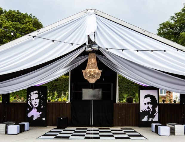 Vintage Hollywood 21st Structure With Black And White Styling