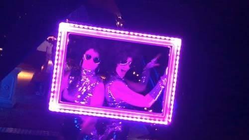 LED frame girls