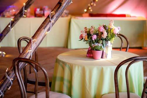 table styling with flowers