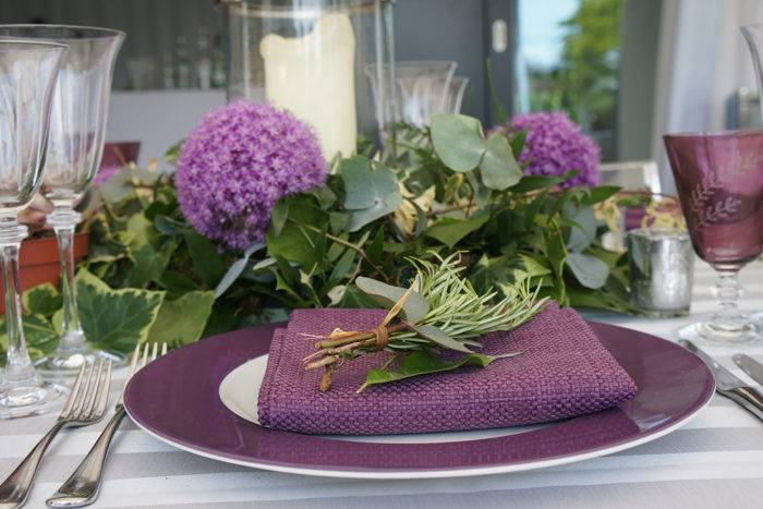 Purple hue table setting lunch party